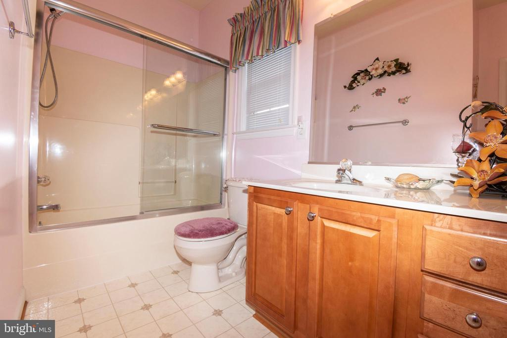 Spare bathroom - 6421 ROBINSON RD, SPOTSYLVANIA