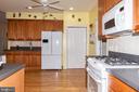 White appliances! Avoid those fingerprints - 6421 ROBINSON RD, SPOTSYLVANIA