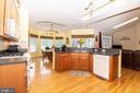 Kitchen open to breakfast nook and living room - 6421 ROBINSON RD, SPOTSYLVANIA