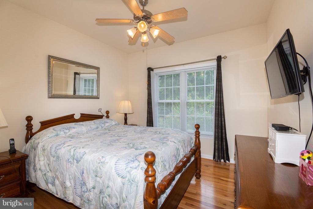 Spare Bedroom with hardwood floors - 6421 ROBINSON RD, SPOTSYLVANIA