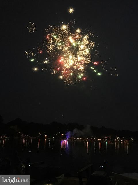 Celebratory fireworks - 11184 HARBOR CT, RESTON