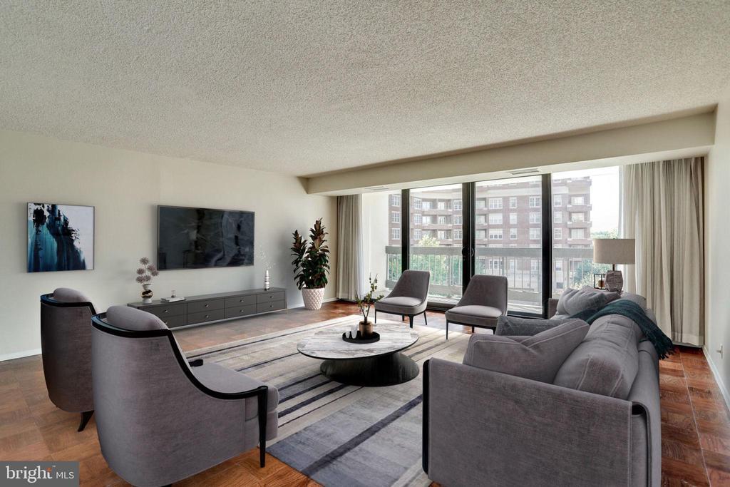 19x19 L.R. staged as Living Room. - 3800 FAIRFAX DR #314, ARLINGTON