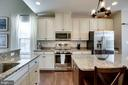 ANTIQUE WHITE CABINETS - 41676 BRANDENSTEIN DR, ALDIE