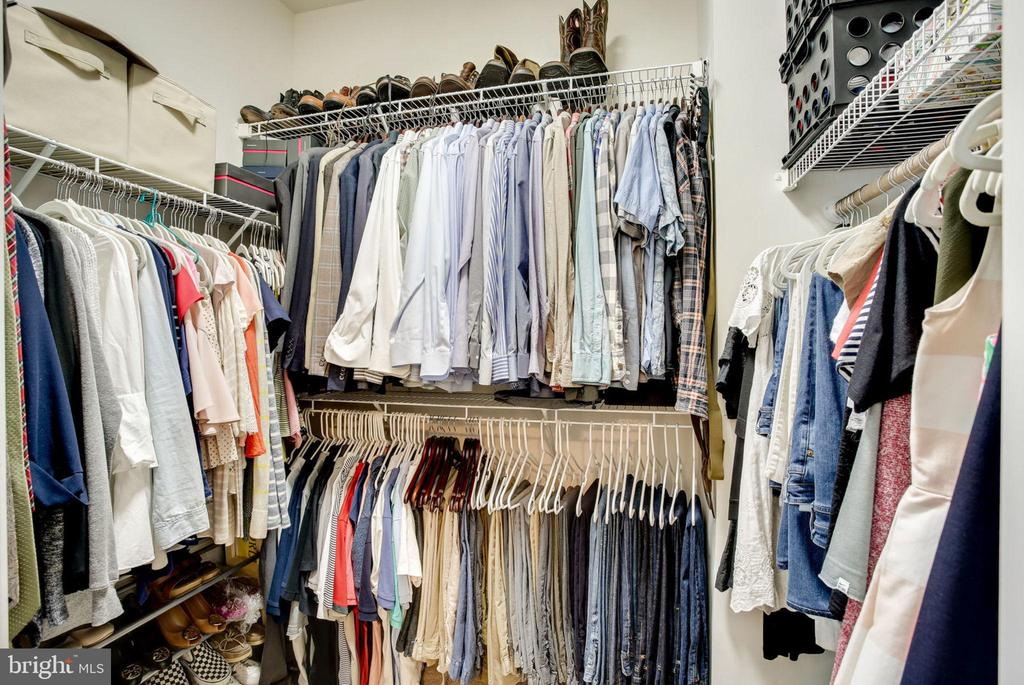 HUGE WALK IN CLOSET - 41676 BRANDENSTEIN DR, ALDIE