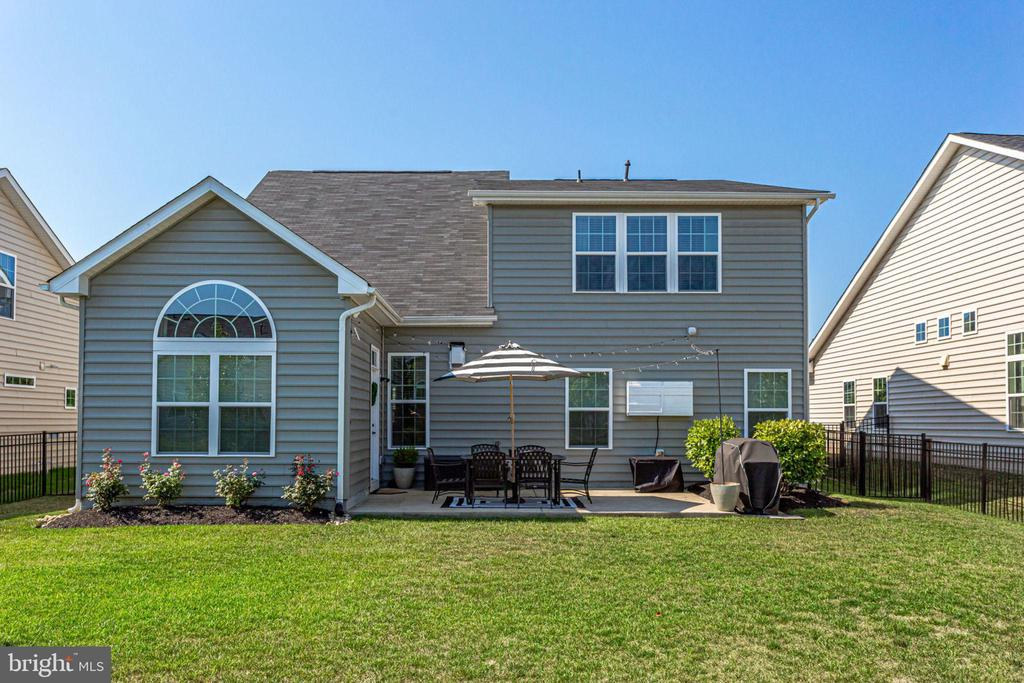 GREAT BACKYARD.  LEVEL AND FULLY FENCED. - 41676 BRANDENSTEIN DR, ALDIE