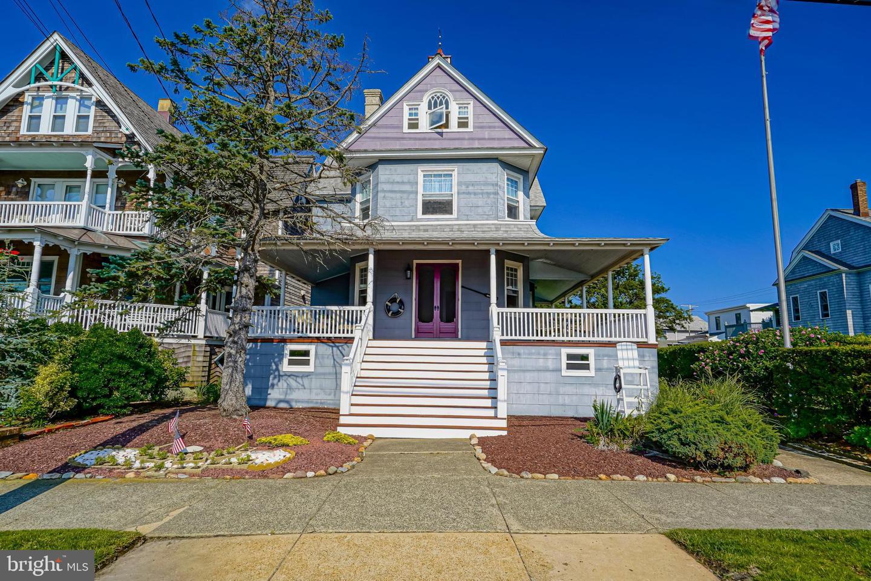 Single Family Homes pour l Vente à Seaside Park, New Jersey 08752 États-Unis