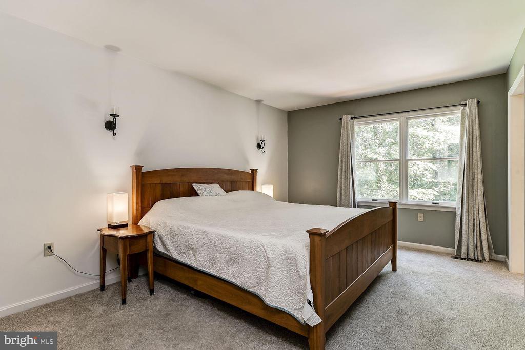 Master Bedroom - 8015 DUSTIN DR, FREDERICK