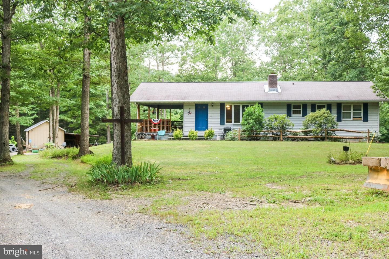 Single Family Homes のために 売買 アット Springfield, ウェストバージニア 26763 アメリカ