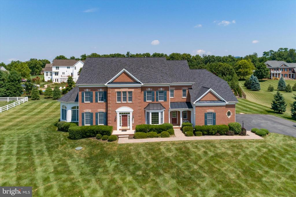 You will fall in love with this amazing home - 6902 SOUTHRIDGE PL, MIDDLETOWN
