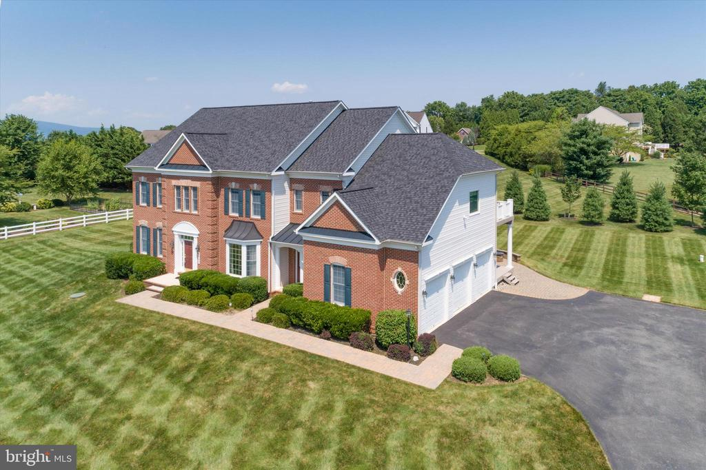 Lovely estate you'll be proud to call home - 6902 SOUTHRIDGE PL, MIDDLETOWN
