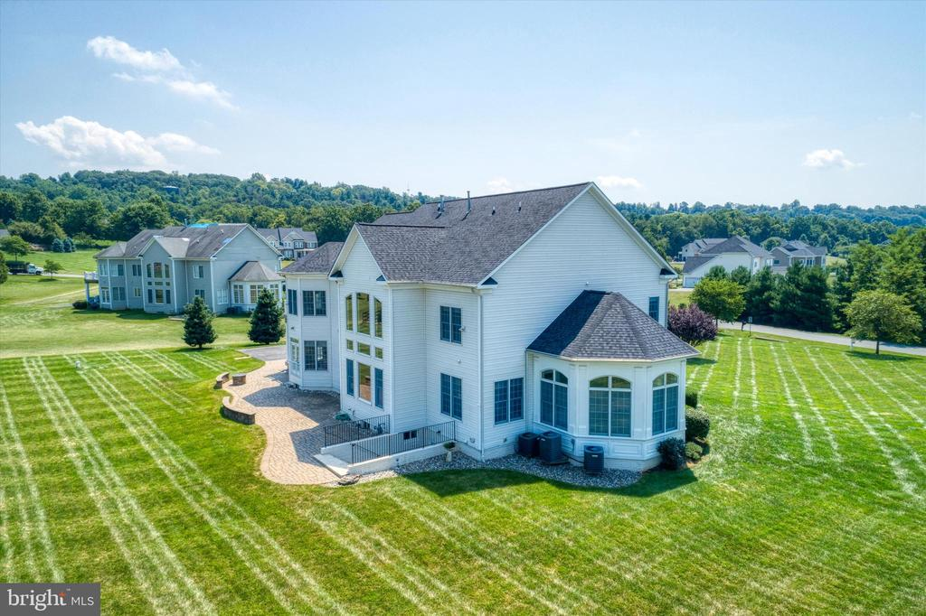 Stunning home from 360 degrees! - 6902 SOUTHRIDGE PL, MIDDLETOWN