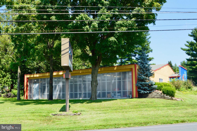 Retail للـ Sale في Easton, Pennsylvania 18045 United States