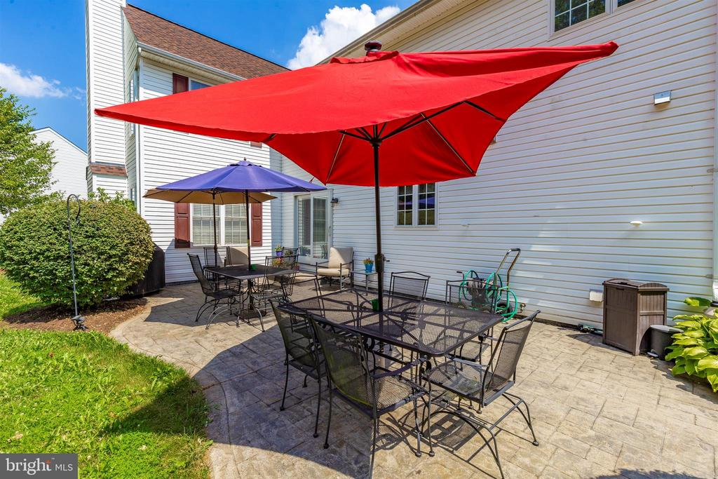 Large patio for entertaining - 4126 LARSON LN, MOUNT AIRY
