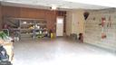 oversized 2-car garage - 8995 PARLIAMENT DR, BURKE