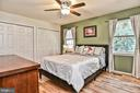 Master Bedroom with hardwood floors - 10011 DOWNEYS WOOD CT, BURKE