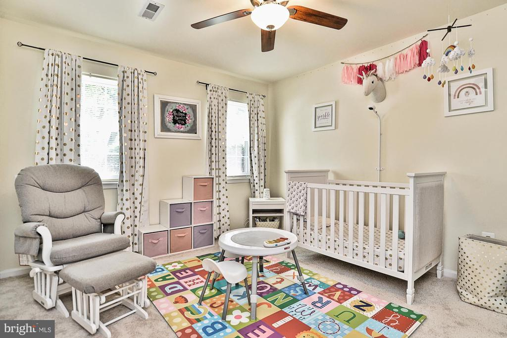 Bedroom on lower level - 10011 DOWNEYS WOOD CT, BURKE