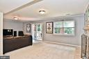 Walkout and window provides tons of natural light - 10011 DOWNEYS WOOD CT, BURKE