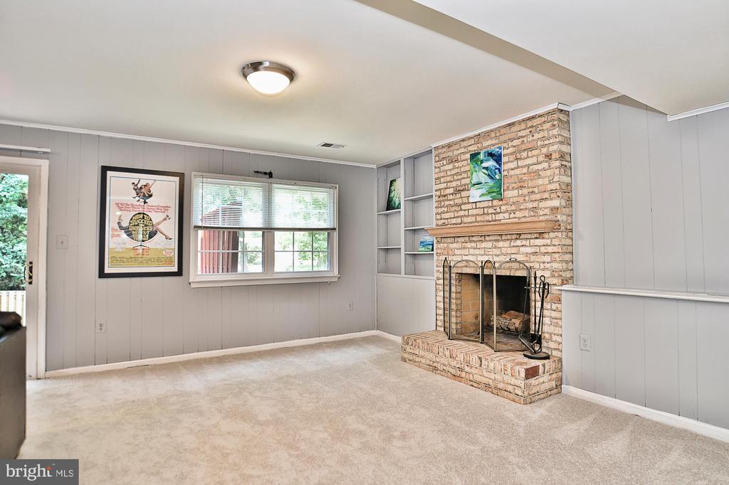 Brand new carpet on lower level - 10011 DOWNEYS WOOD CT, BURKE