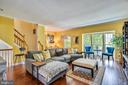 Living Room With Crown Molding - 46705 CAVENDISH SQ, STERLING