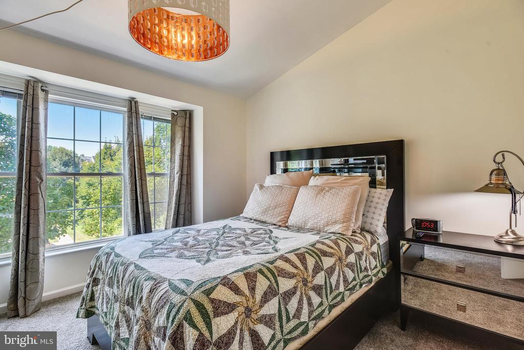 Bedroom #2 With Sunny Windows - 46705 CAVENDISH SQ, STERLING