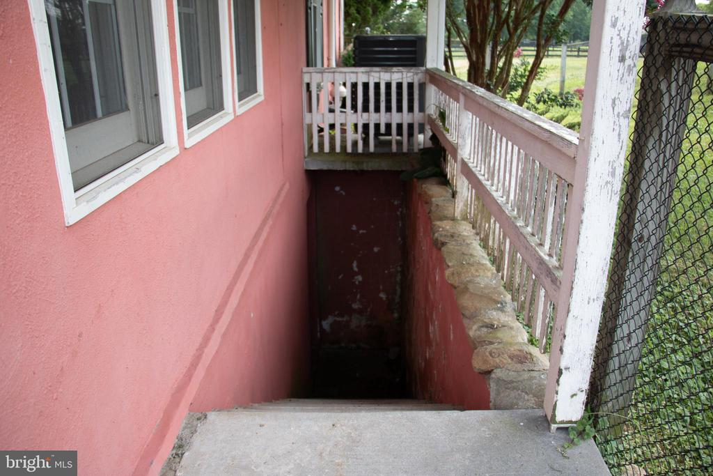 Cellar entrance - 36180 TURKEY ROOST RD, MIDDLEBURG