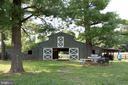 barn w/ 7 stalls, hayloft, tack room, water - 36180 TURKEY ROOST RD, MIDDLEBURG