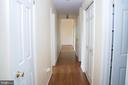Hallway leading to bedrooms - 36180 TURKEY ROOST RD, MIDDLEBURG