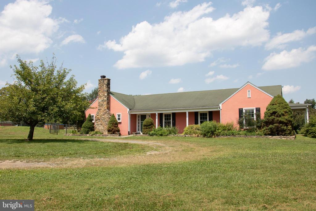Front of home and drive way - 36180 TURKEY ROOST RD, MIDDLEBURG