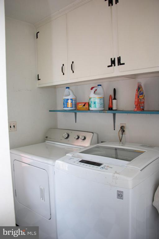 Laundry room - 36180 TURKEY ROOST RD, MIDDLEBURG