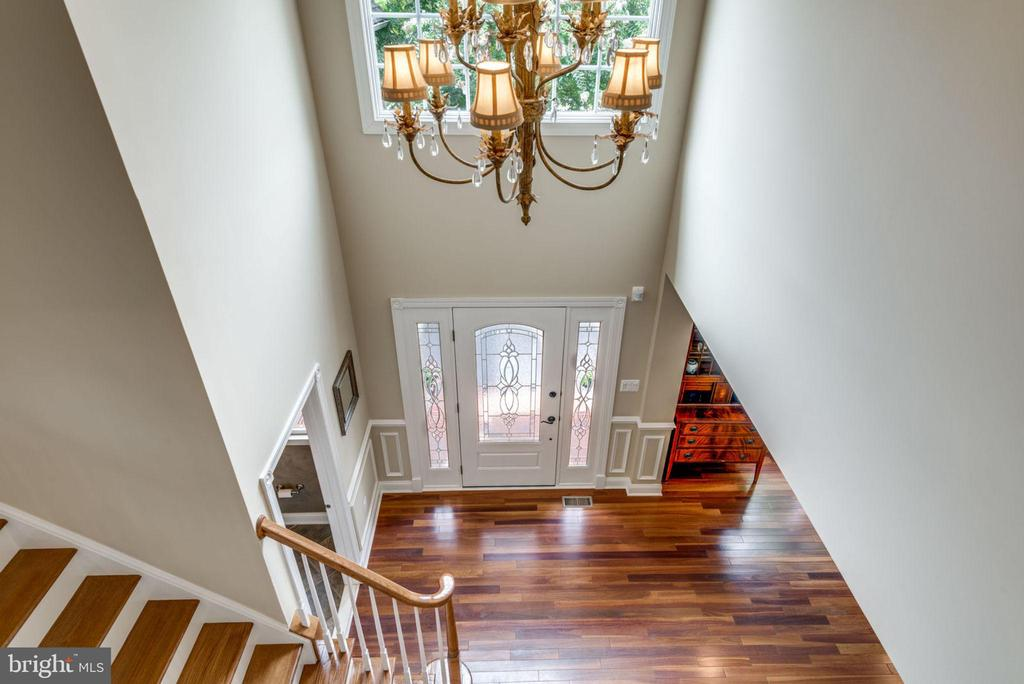 Looking into foyer - 20132 BANDON DUNES CT, ASHBURN