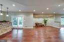 Lower level recreation room with bar - 20132 BANDON DUNES CT, ASHBURN