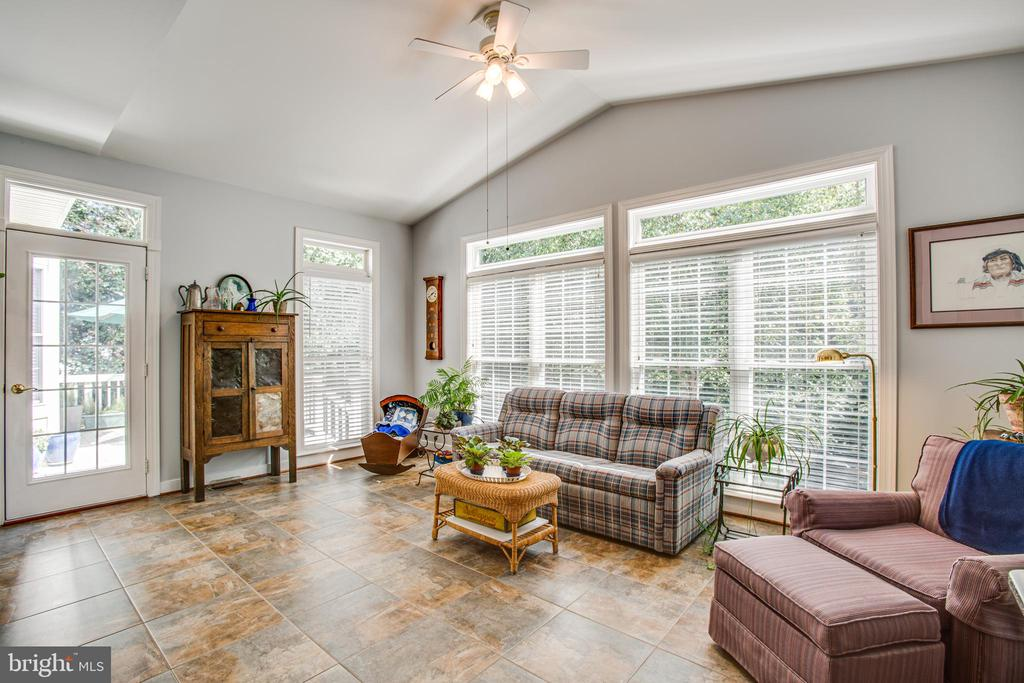 Bright Sunroom with Deck Access. - 56 KIRBY LN, STAFFORD