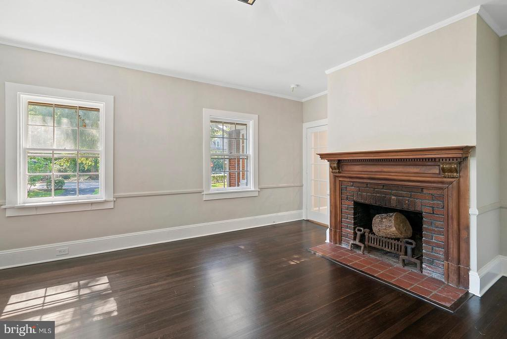 Bedroom or Home Office with Fireplace - 221 N KING ST, LEESBURG