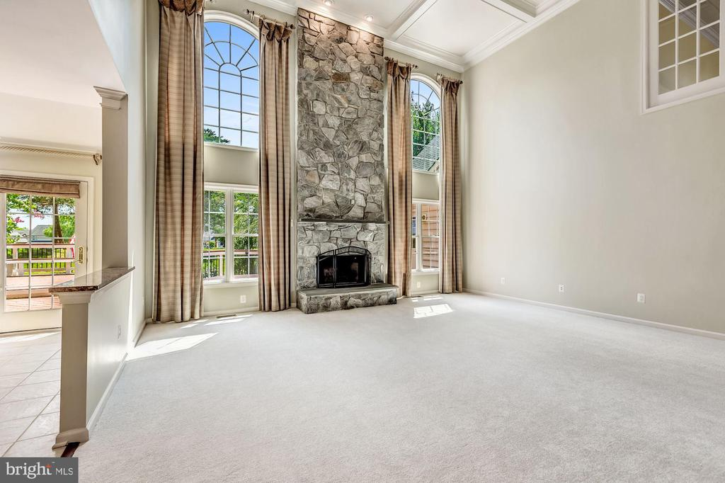 Two Story Expanded Family Room w/ Fireplace - 43397 BALLANTINE PL, ASHBURN