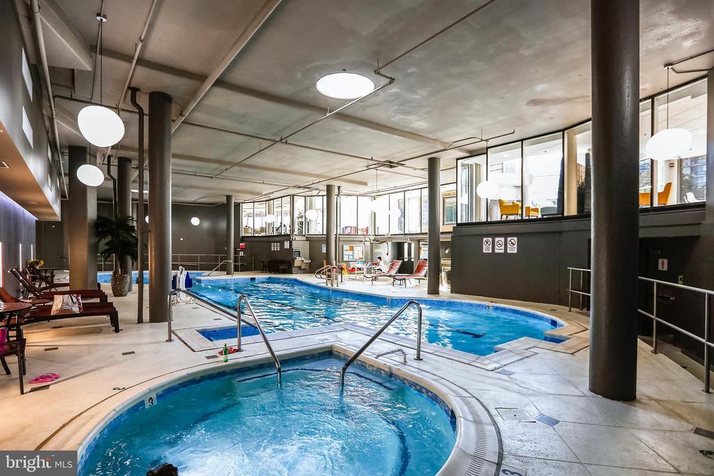 Indoor Pool adjacent to Hot Tub - 8370 GREENSBORO DR #510, MCLEAN