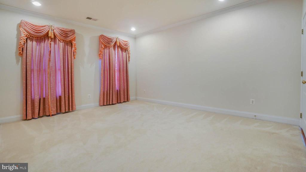 Master bedroom - 42531 LONGACRE DR, CHANTILLY