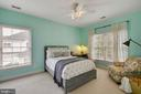 Bedroom 3 - Ceiling fan and walk-in closet. - 43353 VESTALS PL, LEESBURG