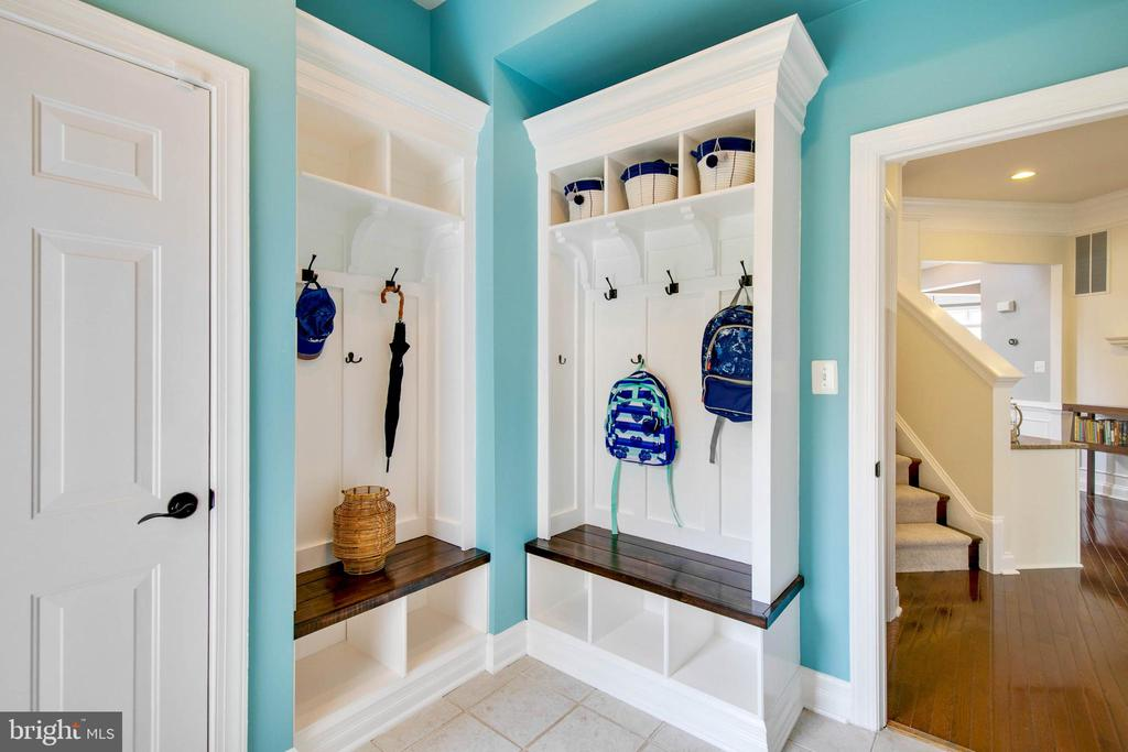 Step inside from either garage to a mudroom. - 43353 VESTALS PL, LEESBURG