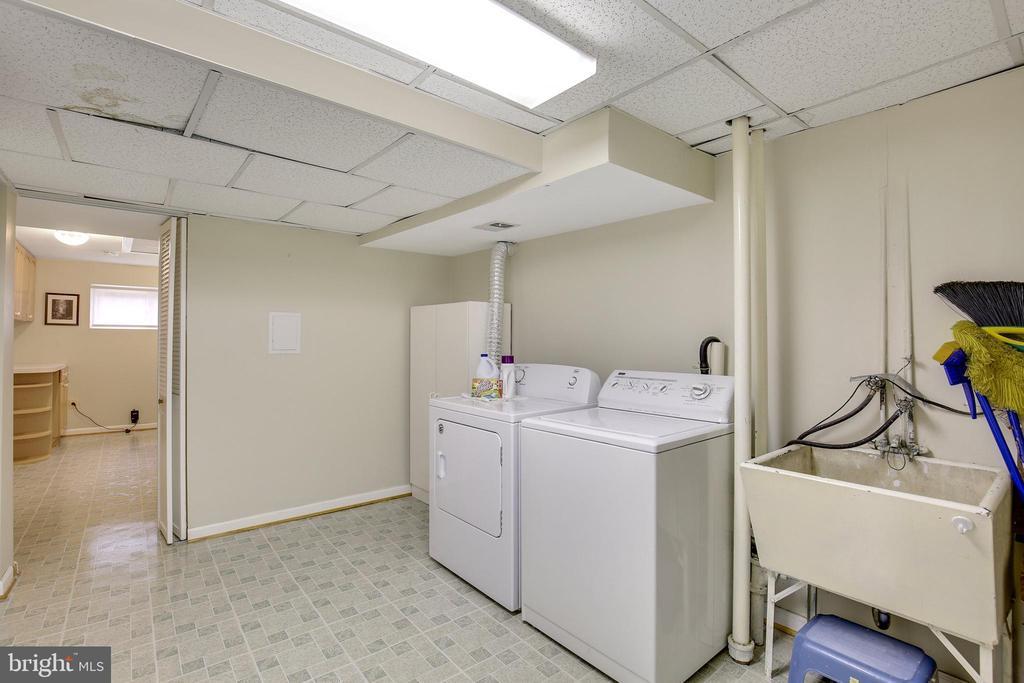 - 5206 WHITE FLINT DR, KENSINGTON