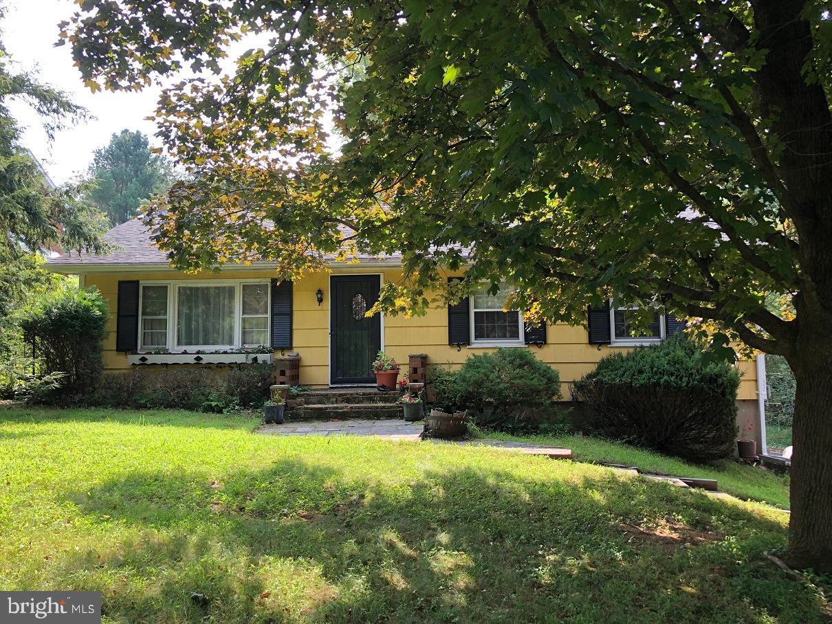 Single Family Homes 為 出售 在 Frenchtown, 新澤西州 08825 美國