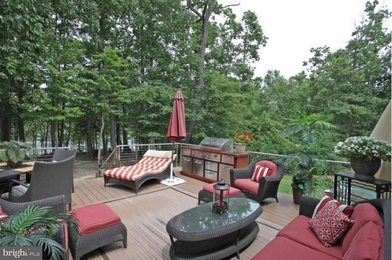 Entertaining deck!  retractable awning sun shelter - 504 CREEK CROSSING LN, GLEN BURNIE