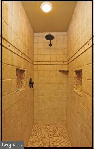 2nd master has beautiful tiled shower - 504 CREEK CROSSING LN, GLEN BURNIE