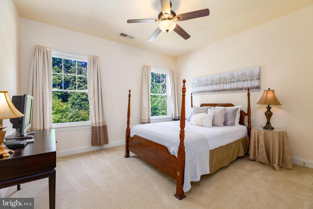 Bedroom #1 with Jack & Jill Bath - 9520 PENIWILL DR, LORTON