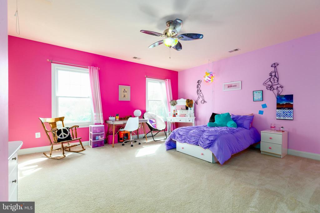 Bedroom #3 with Walk In Closet & En Suite Bath - 9520 PENIWILL DR, LORTON