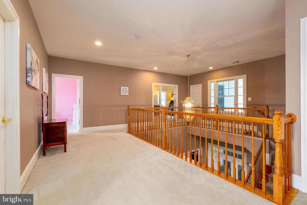 Extra Wide Upper Level Hallway - 9520 PENIWILL DR, LORTON
