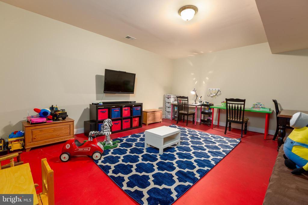Lower Level Play Room - 9520 PENIWILL DR, LORTON