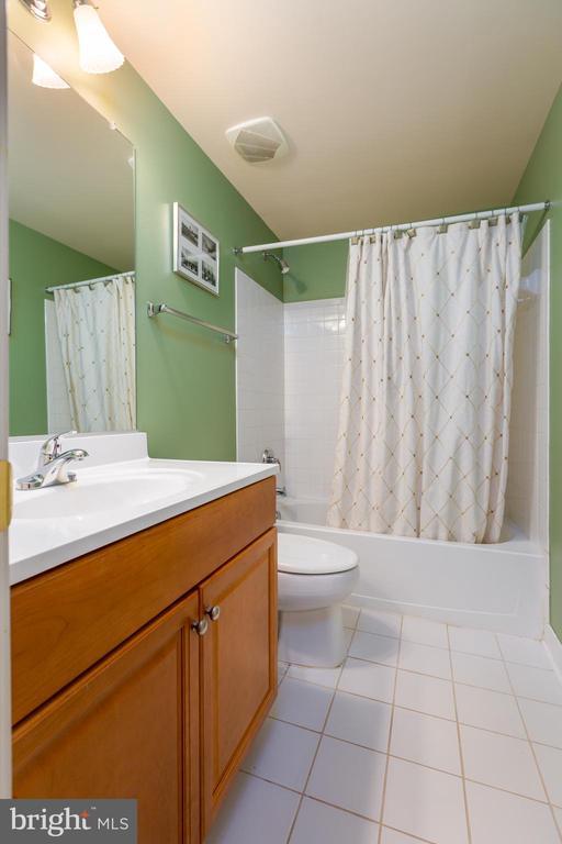 Lower Level Full Bath - 9520 PENIWILL DR, LORTON