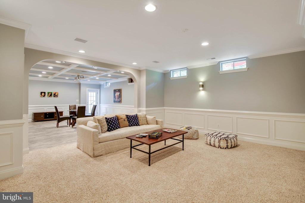 Recessed lighting make this space light-filled. - 43353 VESTALS PL, LEESBURG