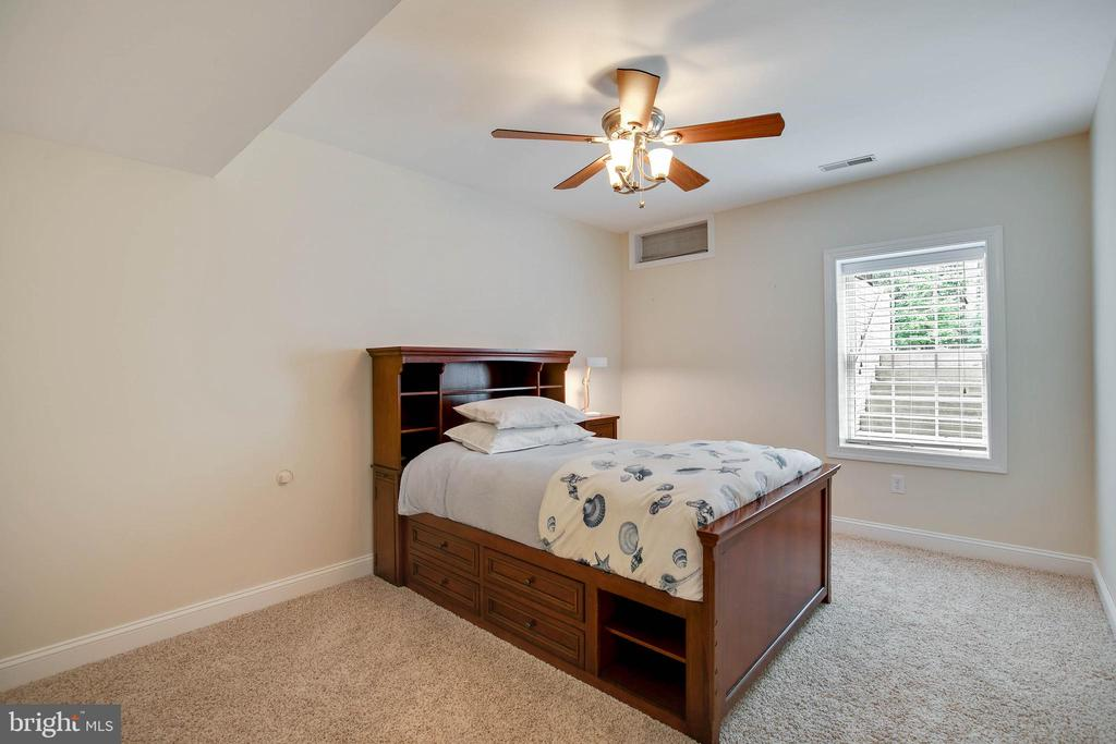 5th bedroom in lower level - 43353 VESTALS PL, LEESBURG