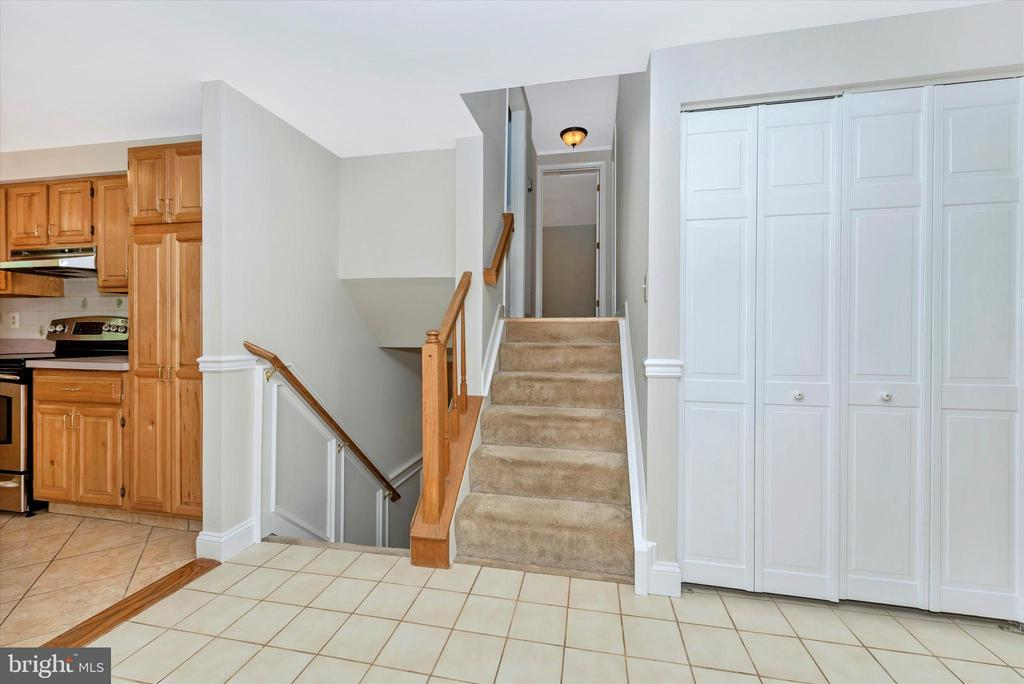 Staircase - 11820 BROWNINGSVILLE RD, MONROVIA